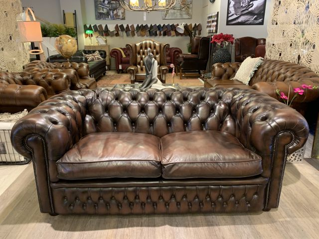 Engelse chesterfield 2,5 zits bank Salvale bruin