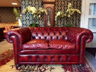 Engelse chesterfield 2 zits bank Oxblood Rood