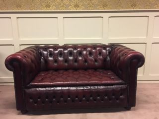 Engelse 2 Zits Chesterfield bank Buttonseat Oxblood Rood