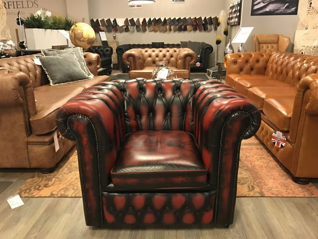 Engelse Chesterfield club fauteuil Oxblood Rood