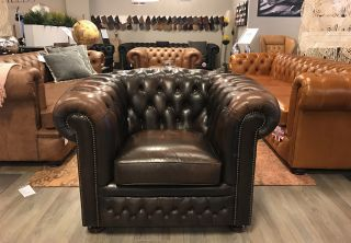 Engelse Springvale Chesterfield club fauteuil Donker Bruin