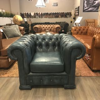 Stoere Engelse Chesterfield club fauteuil Jeans Blauw