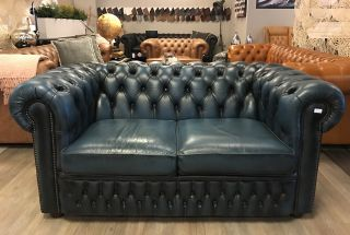 Engelse Chesterfield 2 Zits bank in jeans Blauw