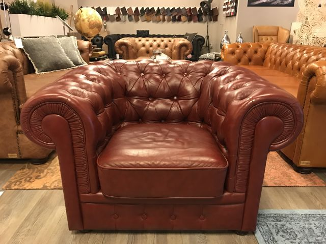Chique Chesterfield club fauteuil in Bordeaux Rood