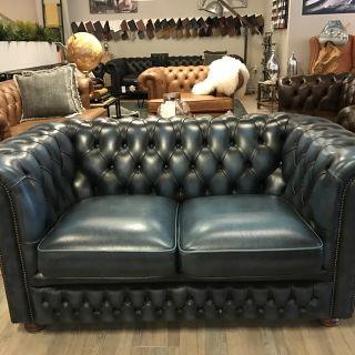 Engelse Vintage 2 Zits Chesterfield bank Jeans Blauw Springvale