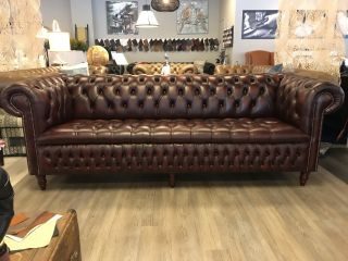 Engelse Chesterfield 4 Zits bank Buttonseat Oxblood