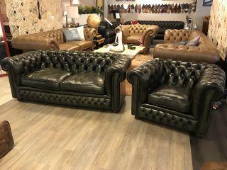 Engelse Chesterfield zithoek 2,5 Zits bank + club fauteuil Olijf groen