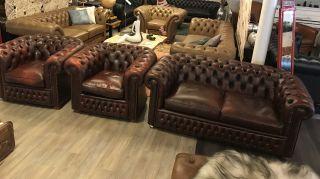 Engelse Salvale Chesterfield zithoek 2,5 Zits + 2 fauteuils Roodbruin