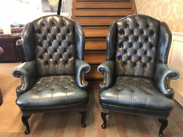 2 x Stoere Engelse Chesterfield fauteuils Jeans Blauw