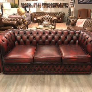 Engelse Chesterfield Winchester 3 zits bankOxblood Rood