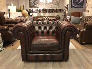 Engelse Chesterfield clubfauteuil Oxblood Rood
