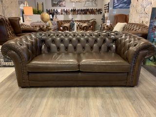 Engelse chesterfield 2,5 zits bank Bruin