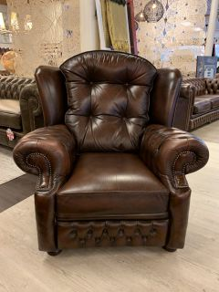 Engelse Springvale chesterfield fauteuil Suzanne bruin