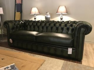 SHOWROOMMODEL The Lancaster chesterfield 3,5 zits bank Groen