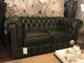 SHOWROOMMODEL The Lancaster chesterfield 2,5 zits bank Groen