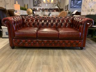 Stoere chesterfield 3 zits bank in Oxblood Red