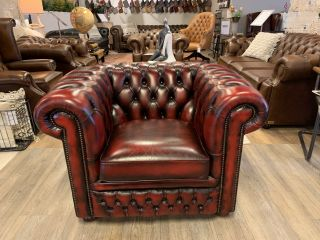 Engelse Springvale chesterfield clubfauteuil in Oxblood Rood