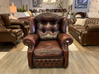 Engelse Springvale chesterfield fauteuil Suzanne Dark Rust