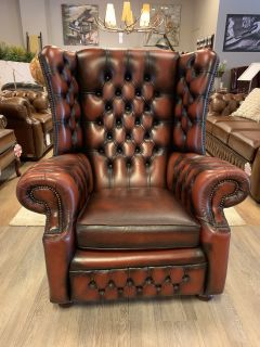 Engelse Springvale chesterfield XL oorfauteuil Dark Rust