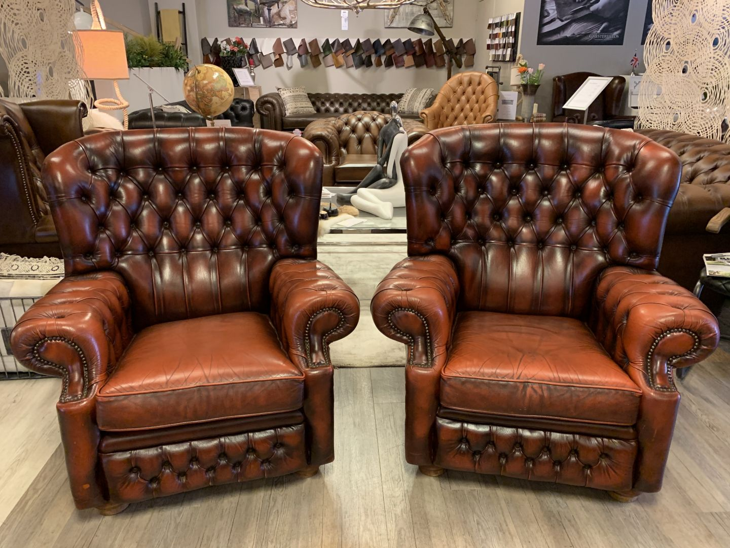 Chesterfield Fauteuil Oxblood.2 X Engelse Springvale Chesterfield Fauteuils Oxblood Rood