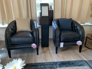 Showroommodel 2 x The York chesterfield tubchairs in Vintage Zwart