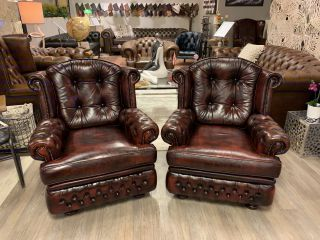 2 x Engelse Springvale chesterfield fauteuils Oxblood Rood