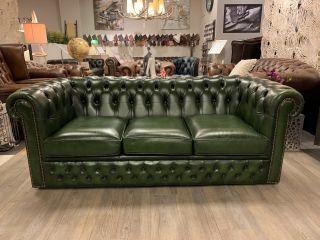 Engelse chesterfield 3 zits bank Groen