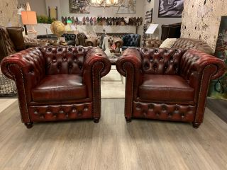 2 x Chesterfield clubfauteuils in Oxblood Rood leder