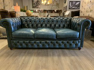 Stoere chesterfield 3 zits bank in Jeans Blauw