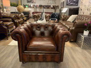 Compacte Engelse Springvale chesterfield clubfauteuil Light Rust
