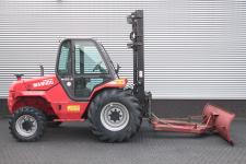 Ruw terreinheftruck 3.000 kg
