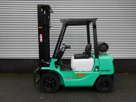 0818_Mitsubsihi 2500 kg LPG heftruck (9)