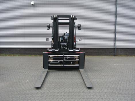 3389_Raniero AC80-9-CO 10000 kg elektrische heftruck (2)