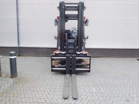 3396_Raniero ACL70 compacte 7000 kg zwaar elektrische heftruck (8)