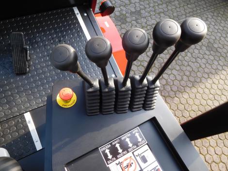 3400_Raniero AC80-9-CO-HT-Q 8000 kg @ 900 mm elektrische heftruck (25)