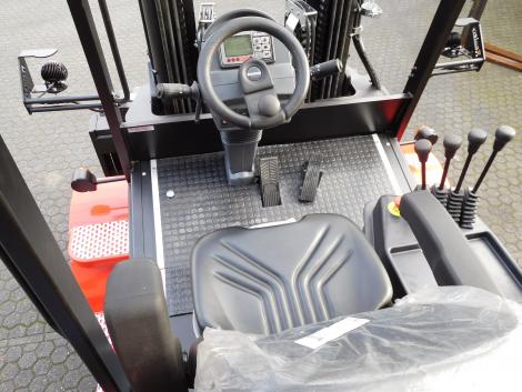 3406_Raniero AC80-9-CO 8000 kg @ 900 mm zwaar elektrische heftruck (18)