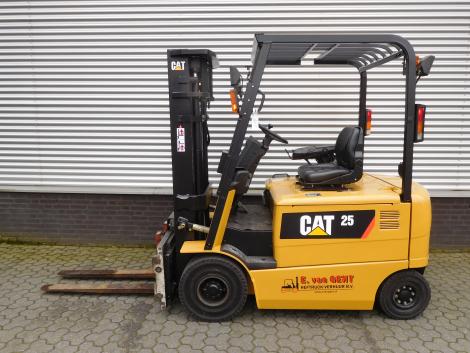 6217_Caterpillar EP25K PAC 2500 kg elektrische heftruck (7)