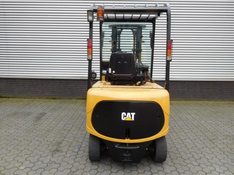 6217_Caterpillar EP25K PAC 2500 kg elektrische heftruck (8)