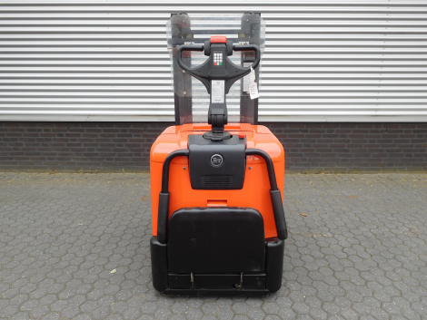 6221_BT SPE125L 1250 kg elektrische stapelaar (3)
