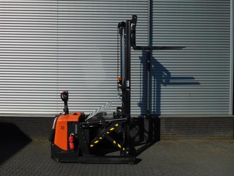6255_BT SPE120XR 1200 kg stapelaar met pantograaf en sideshift & vorkversteller (8)
