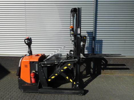 6255_BT SPE120XR 1200 kg stapelaar met pantograaf en sideshift & vorkversteller (7)