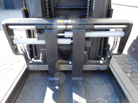 6255_BT SPE120XR 1200 kg stapelaar met pantograaf en sideshift & vorkversteller (5)
