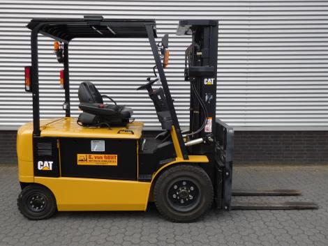 6247_Caterpillar EP30K PAC 3000 kg elektrische Caterpillar heftruck (10)