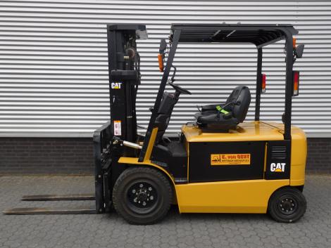 6247_Caterpillar EP30K PAC 3000 kg elektrische Caterpillar heftruck (12)