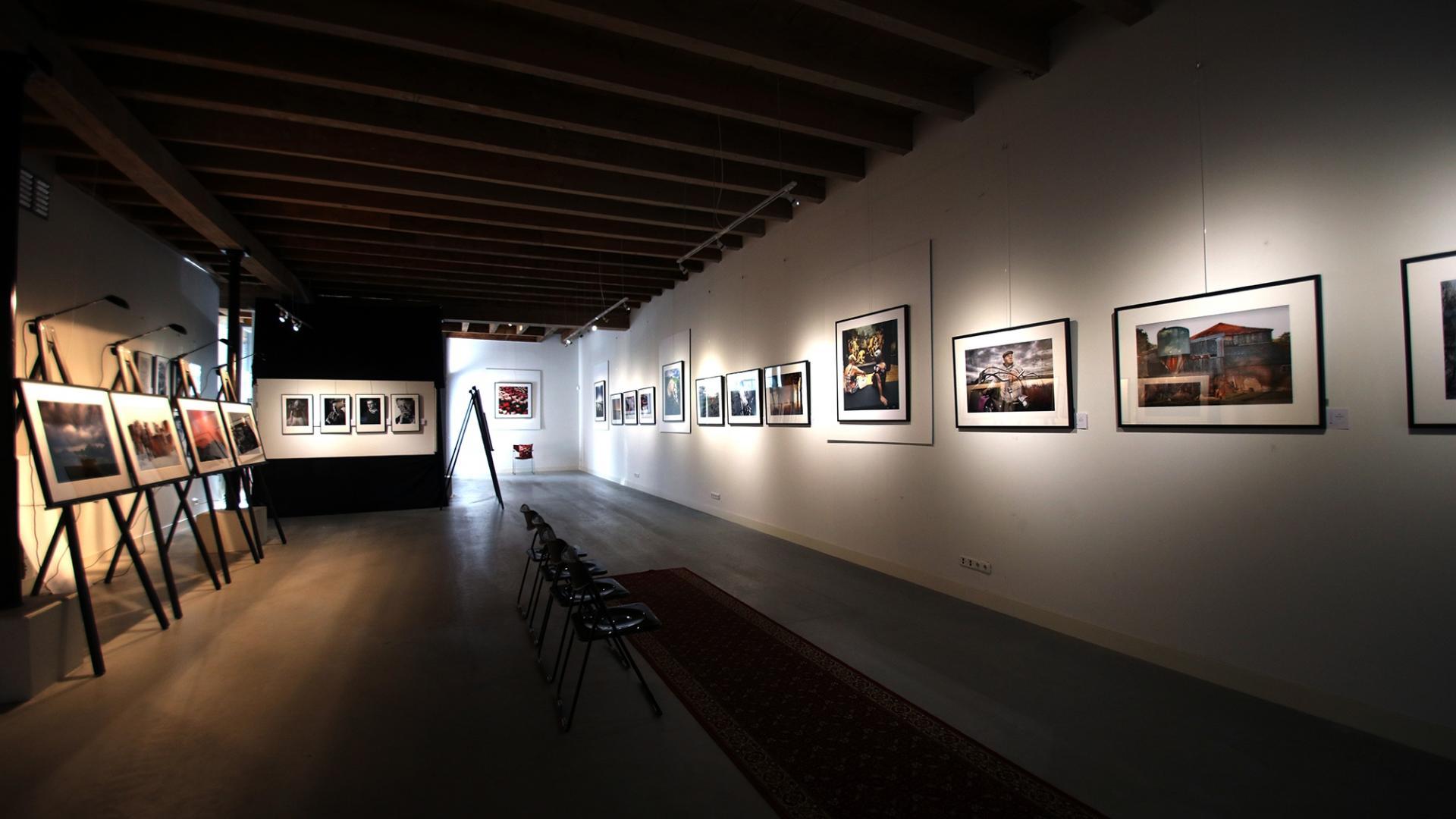 Fotokunst aan de muur