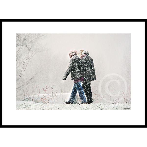 Wandelen door de sneeuwbui