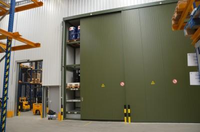 4-verdiepinghoge opslagcontainers voor vliegveld Zaventem