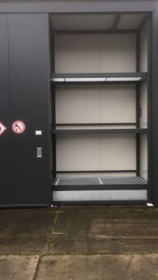 Opslagcontainer met 3 verdiepingen speciaal op maat gemaakt.