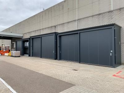 Drie brandwerende opslagcontainers voor Mora in Maastricht
