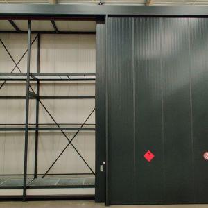 Twee brandwerende opslagcontainers type K80-3 euro 2C Fireguard voor EMCM B.V.  te Nijmegen